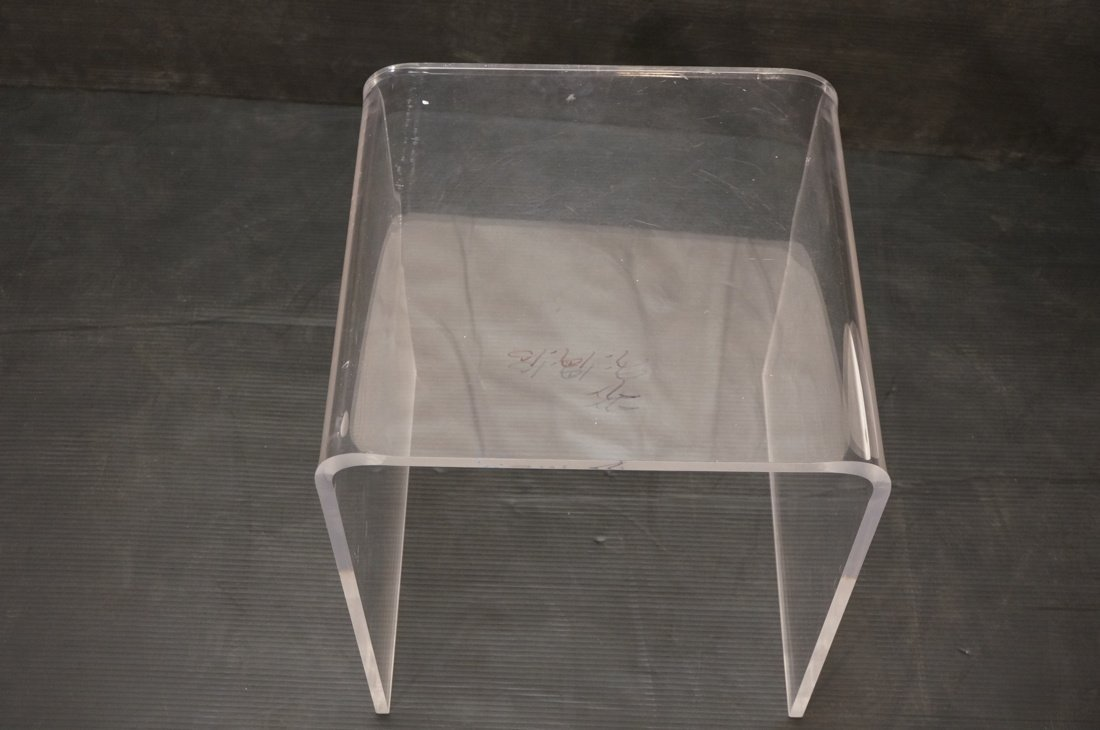 Molded Lucite Side Table. Small - 5