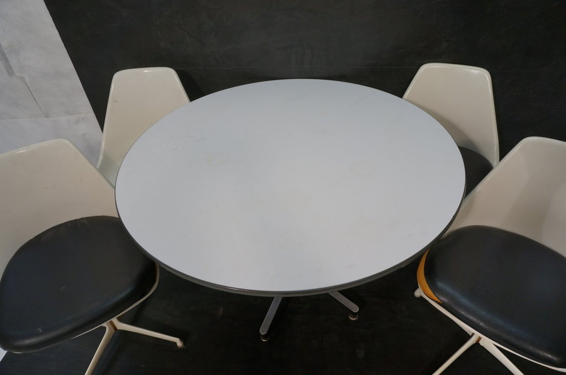 Herman Miller table with 4 BURKE chairs Dining set - 4