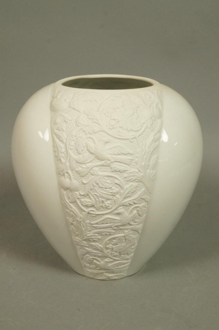 ROSENTHAL German Porcelain Vase. Bisque White pan
