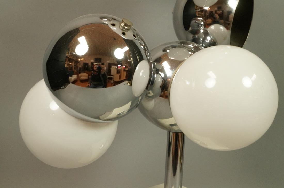 70's Modern Table Lamp. Five ball glass bulbs wit - 4