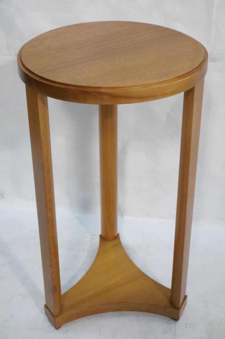 Modern Tripod Round Side Table. - 2