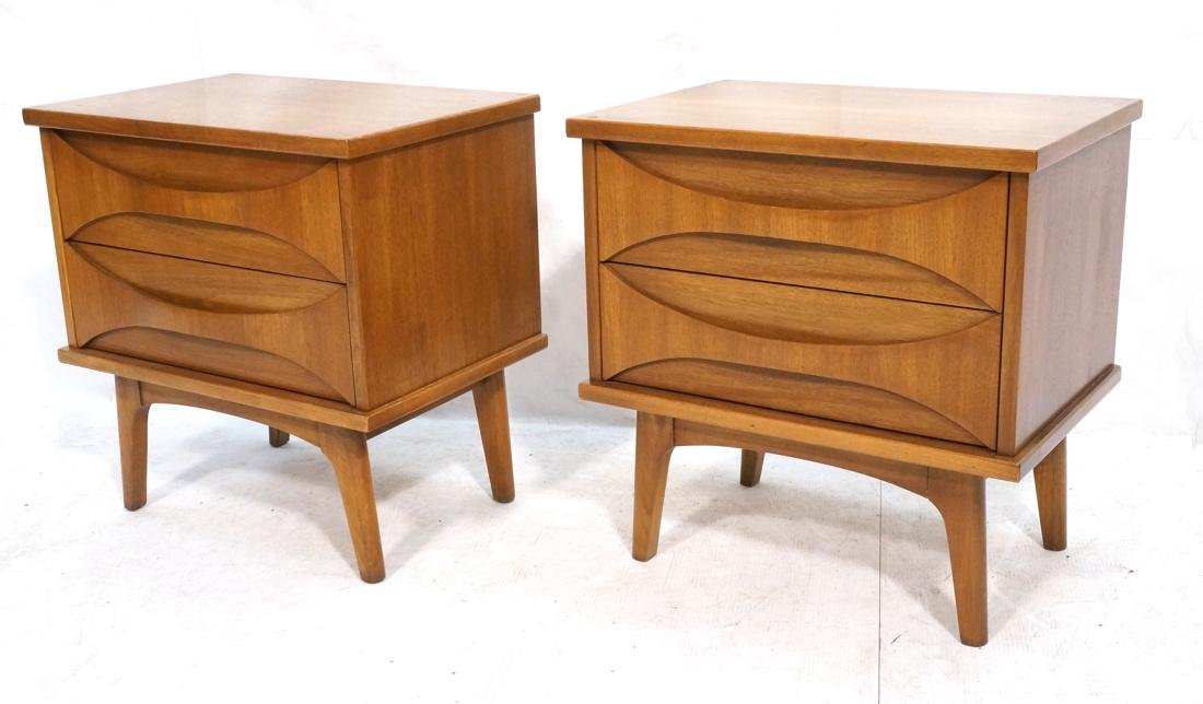 Pr AMERICAN MODERN Light Wood Night Stands. 2 dra