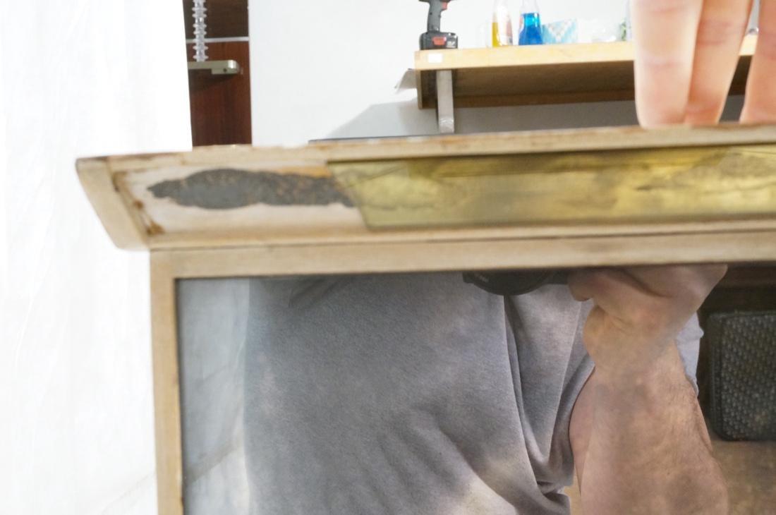 Decorator Eglomise Four Door Mirrored Cabinet. Cr - 9