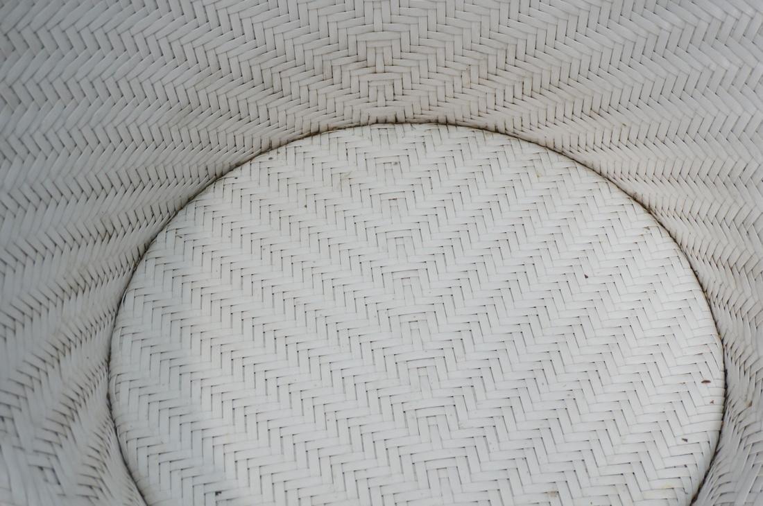 Pr White FRONTGATE Swivel Lounge Chairs. SALIMA m - 6