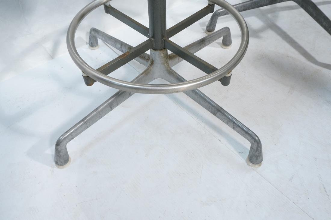 6pc HERMAN MILLER Fiberglass Shell Chairs. Four T - 3