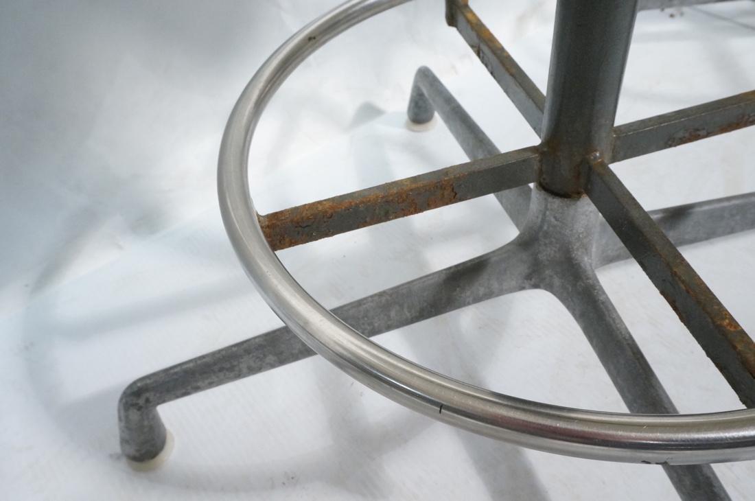 6pc HERMAN MILLER Fiberglass Shell Chairs. Four T - 6