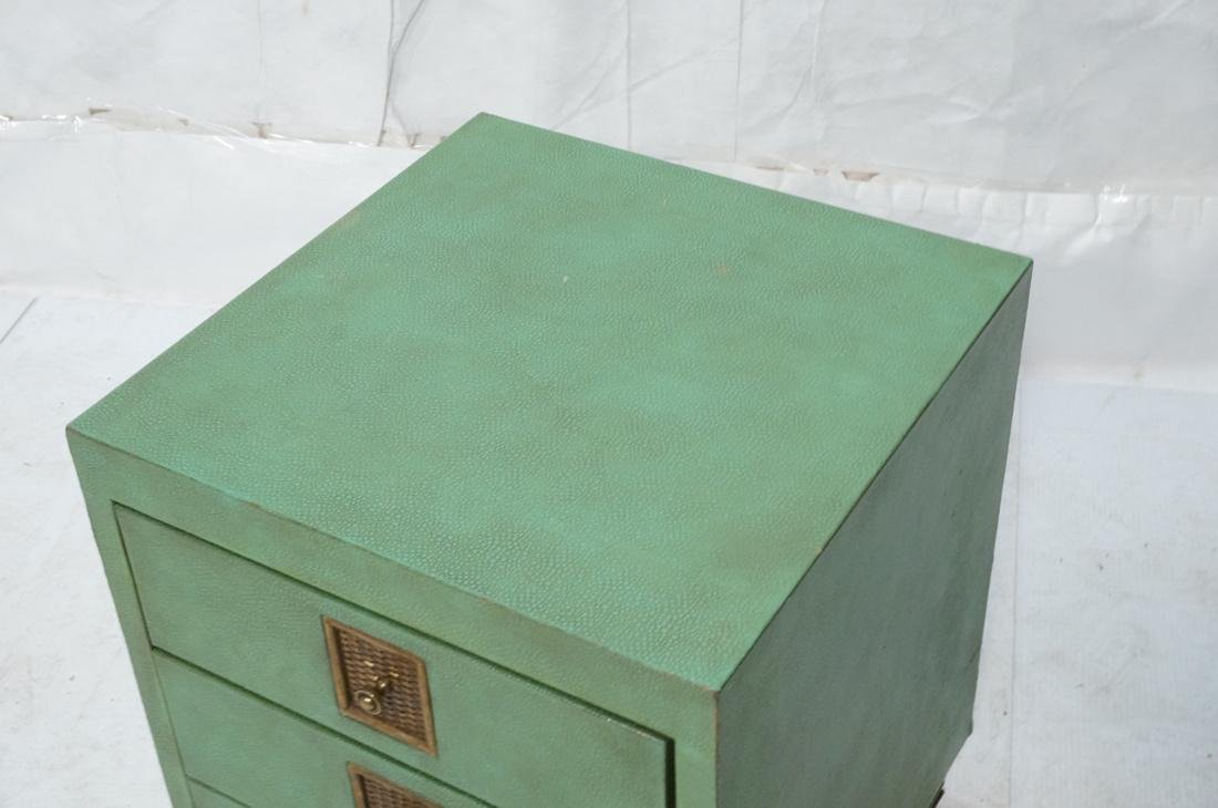 SHAGREEN Style 3 Drawer Green Night Stand. Textur - 2