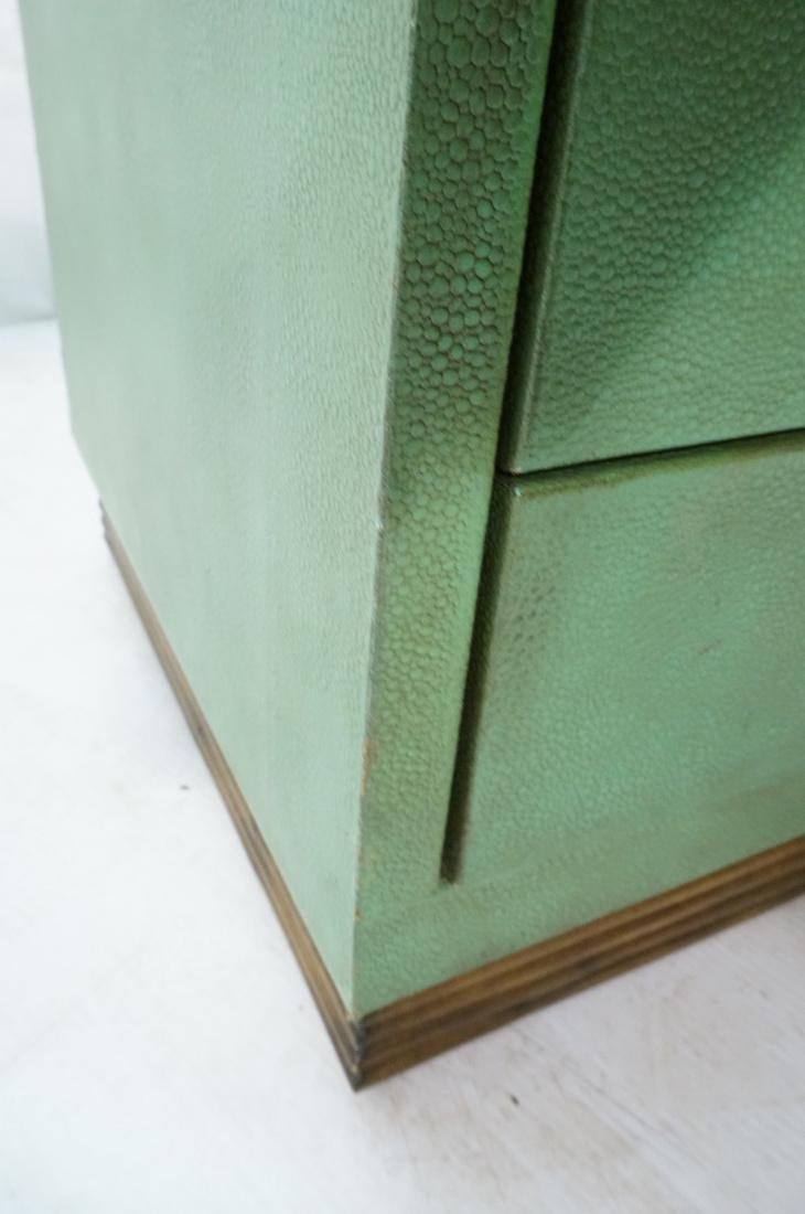 SHAGREEN Style 3 Drawer Green Night Stand. Textur - 4