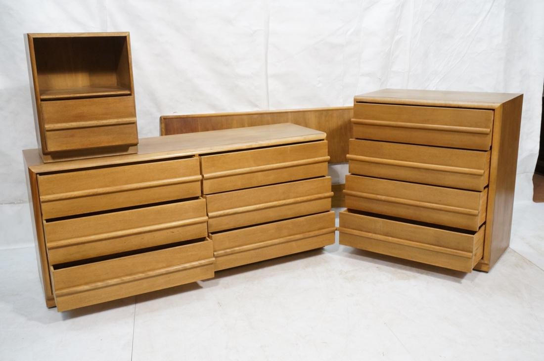 4 pc ROBSJOHN GIBBINGS for WIDDICOMB Bedroom Set. - 2