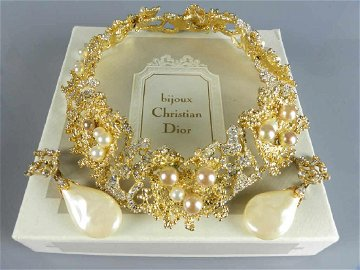 Rare 1968 Christian DIOR Necklace & Earrings