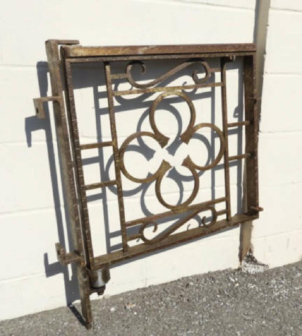 CAST IRON GATE & POST