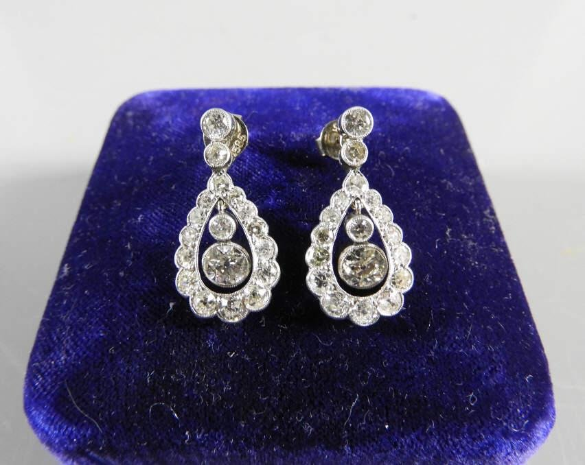 PAIR OF EDWARDIAN WHITE GOLD DIAMOND EARRINGS