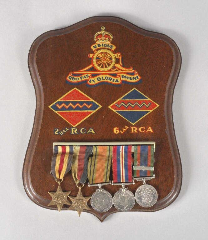 WORLD WAR II MOUNTED GROUP OF MEDALS