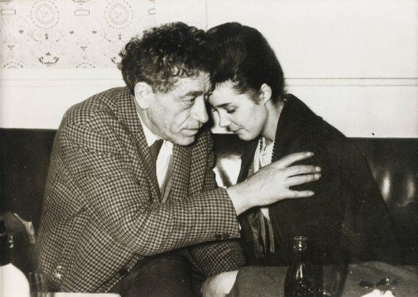 71: Anonyme Alberto Giacometti et Caroline Tamagno chez