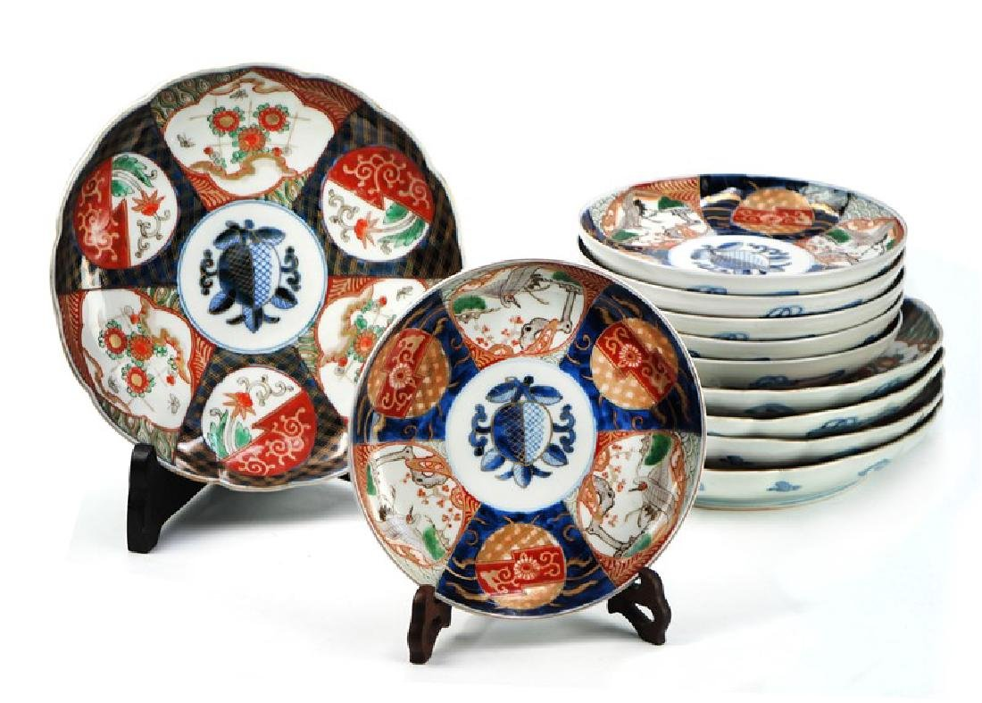 A GROUP OF ELEVEN IMARI PLATES