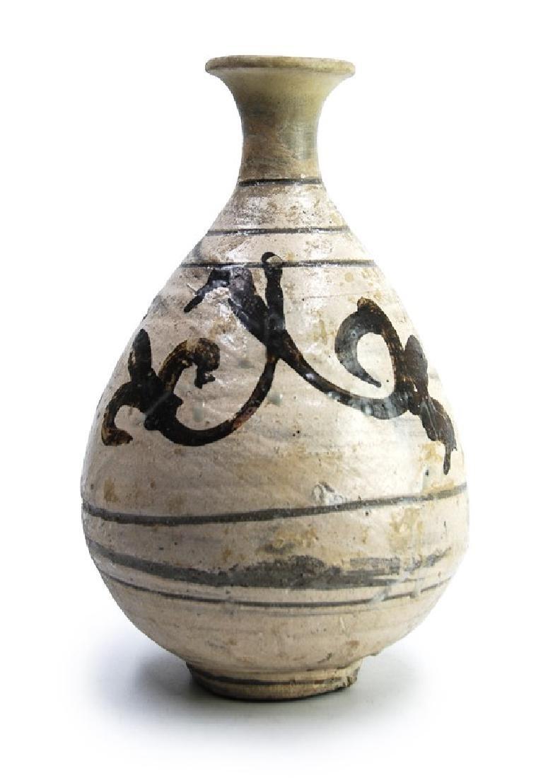 PUNCHONG PEAR-SHAPED VASE; JOSEON(1392-1910)