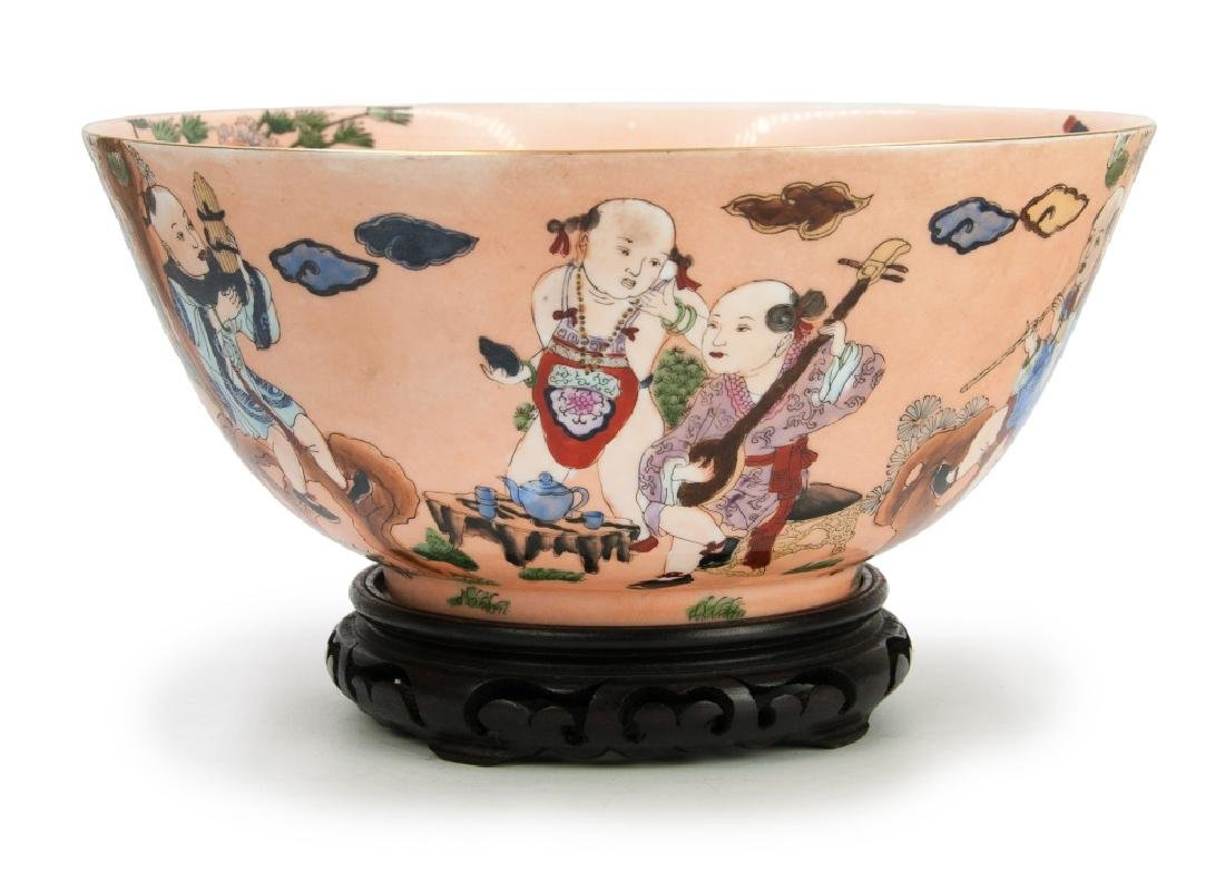 CHINESE PINK GLAZED EXPORT FIGURAL BOWL