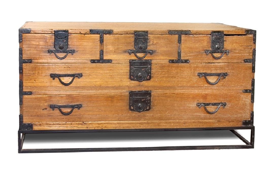 FIVE-DRAWER TANSU CHEST