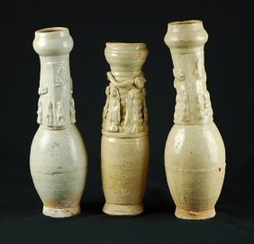 One Group White Glaze Vase