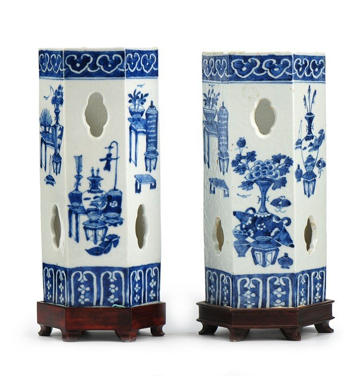 QING DYNASTY PAIR OF QINGHUA CAP STANDS