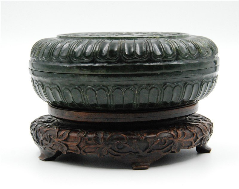 JADE BOX WITH A WOOD STAND