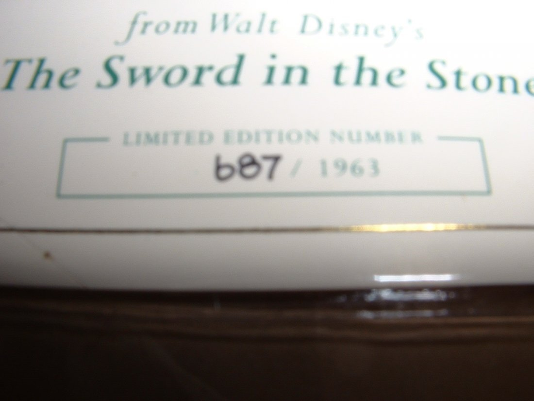 Disney's Sword and the Stone WDCC LE - 2