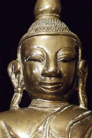Large Burmese 18thC Mon style bronze Buddha.