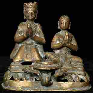 Antique Hindu Donor Couple as Bronze Oil Lamp. Measures
