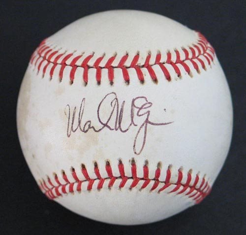 1022: MARK McGWIRE SIGNED OFFICIAL AL BALL - PSA/DNA
