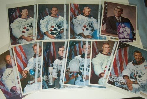785: ASTRONAUTS AUTOGRAPHED ARCHIVE - 13 SIGNED ITEMS