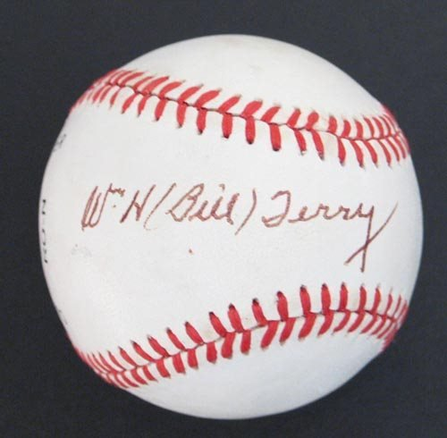 2223: BILL TERRY SIGNED OFFICIAL NL BALL - PSA/DNA