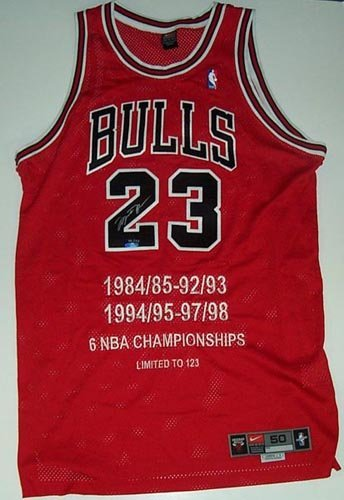4002: MICHAEL JORDAN SIGNED CHICAGO BULLS JERSEY - UDA