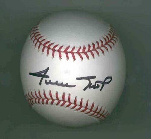 4012: WILLIE MAYS SIGNED OFFICIAL MLB BALL - PSA/DNA