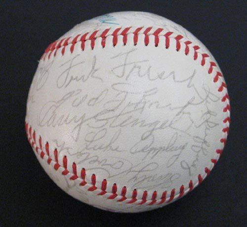 4019: 1968 NY YANKEES TEAM SIGNED BALL - PSA/DNA COA