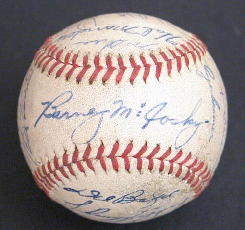 1210: 1942 DETROIT TIGERS SIGNED OFFICIAL BALL - PSA