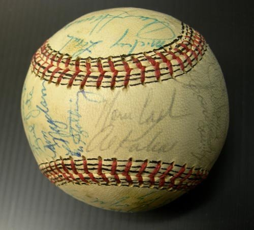 1221: 1971 DETROIT TIGERS SIGNED TIGERS BALL - PSA/DNA