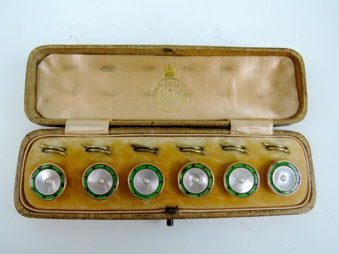 Cased Set of 6 Buttons/Studs