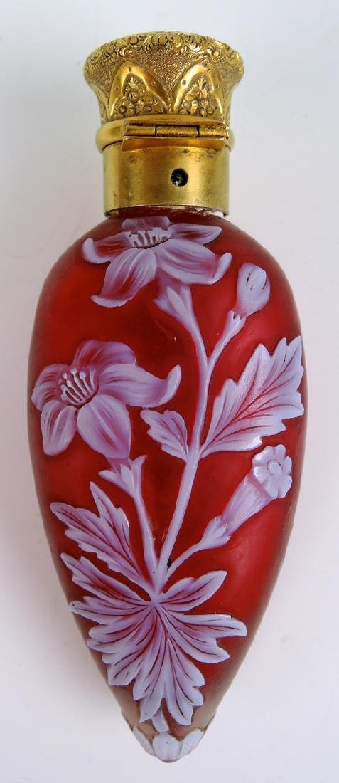 Rare Red White English Cameo Scent Bottle 18K Top - 2