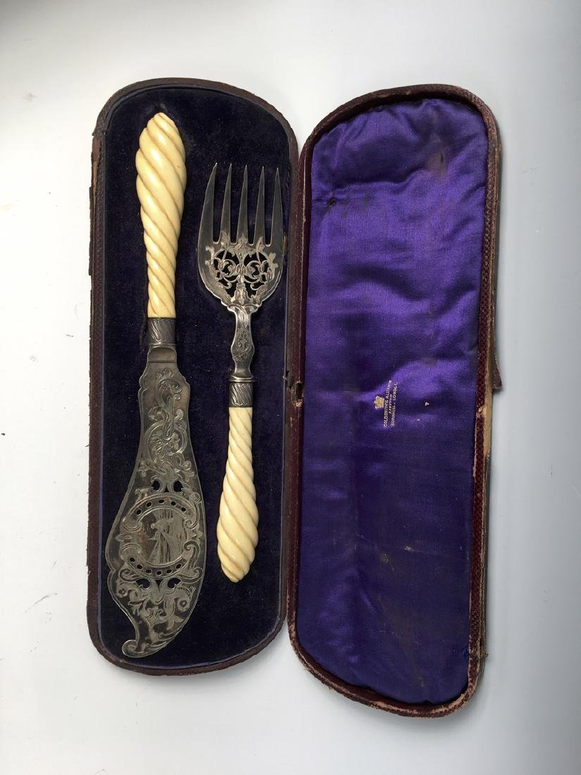 Victorian Silverplate & Bone Fish Set - 2