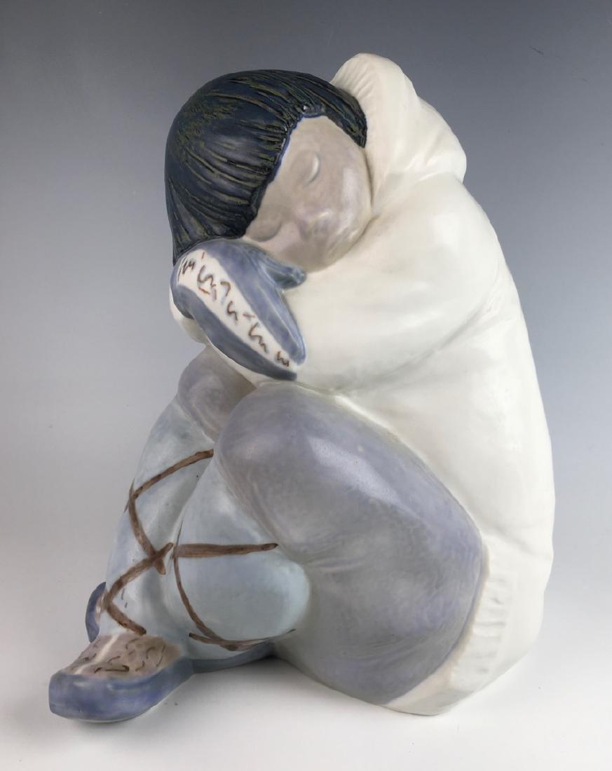 Vintage Retired Lladro Large Eskimo Boy #2007