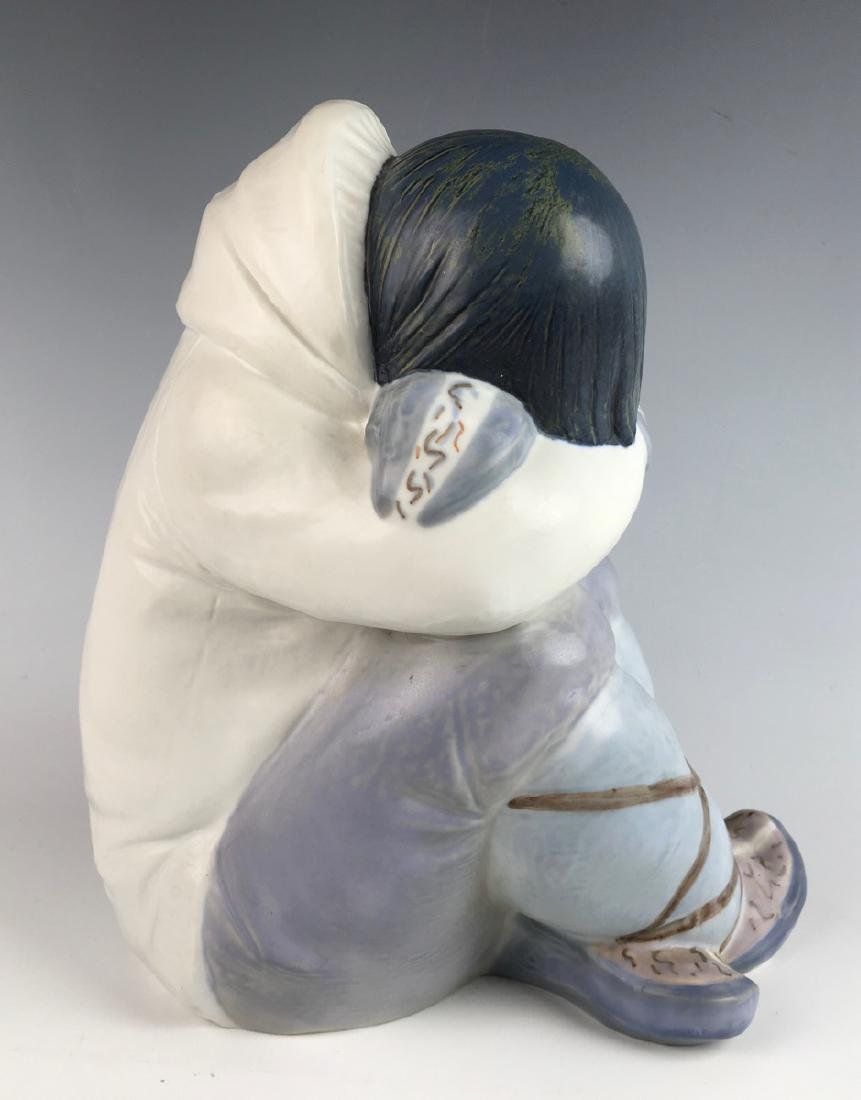 Vintage Retired Lladro Large Eskimo Boy #2007 - 2