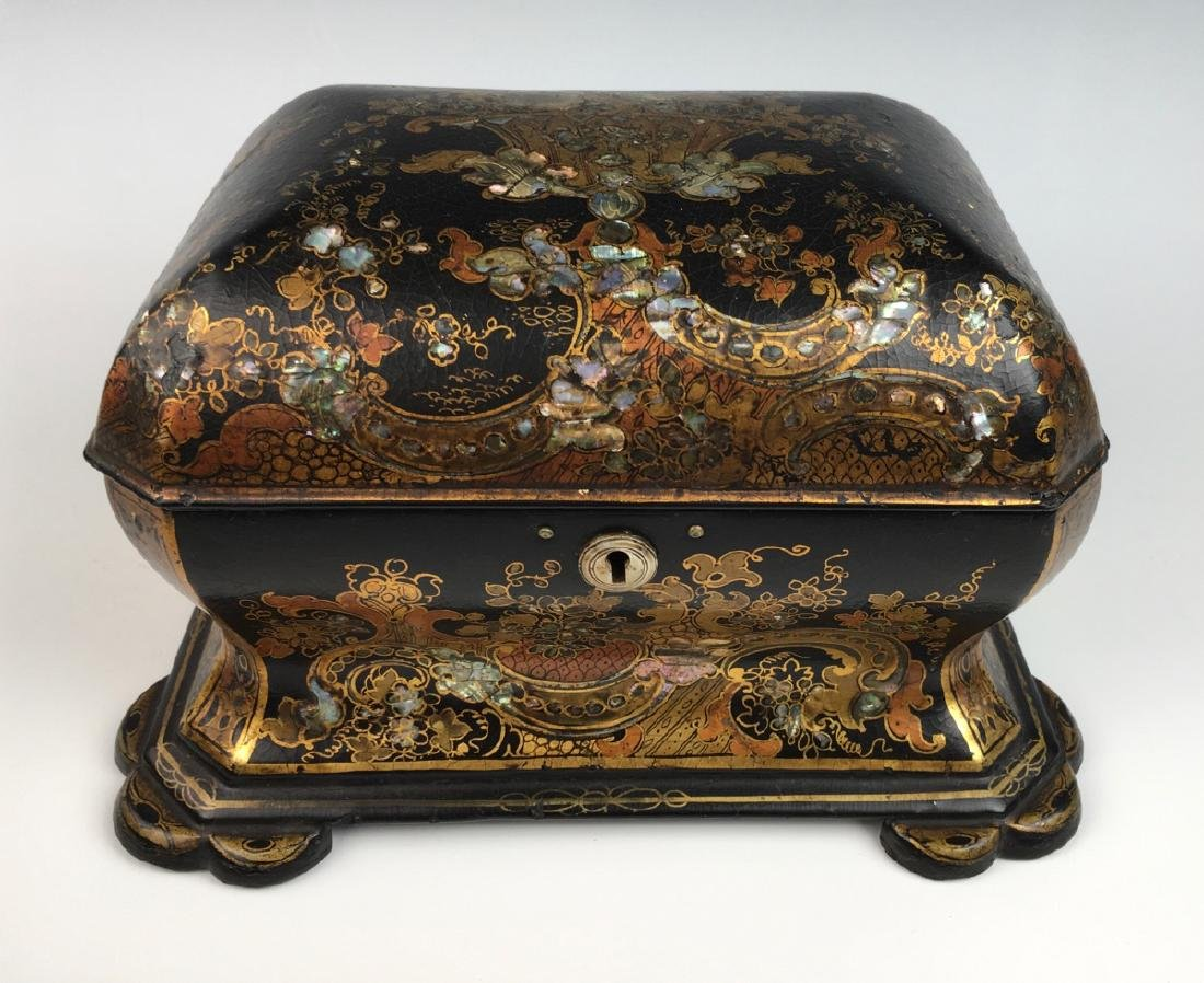 Chinoiserie Lacquerware Teabox - 2