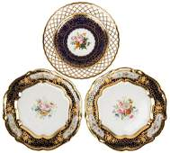 A SET OF THREE RUSSIAN IMPERIAL PORCELAIN PLATES