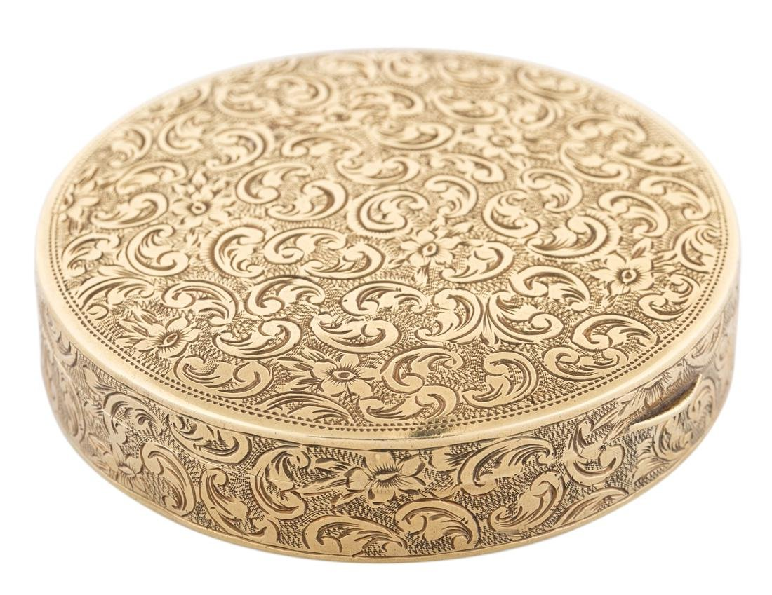 A FRENCH GOLD SNUFF BOX, LATE 18TH CENTURY