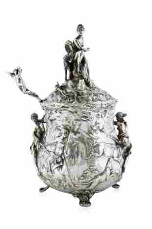 19TH CENTURY, LIKELY FRENCH, COVERED SILVER SOUP TUREEN