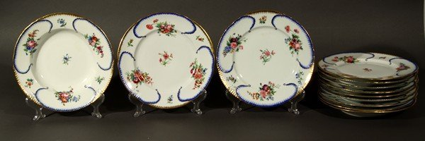 405: 12 ANTIQUE RUSSIAN IMPERIAL PORCELAIN PLATES PETER