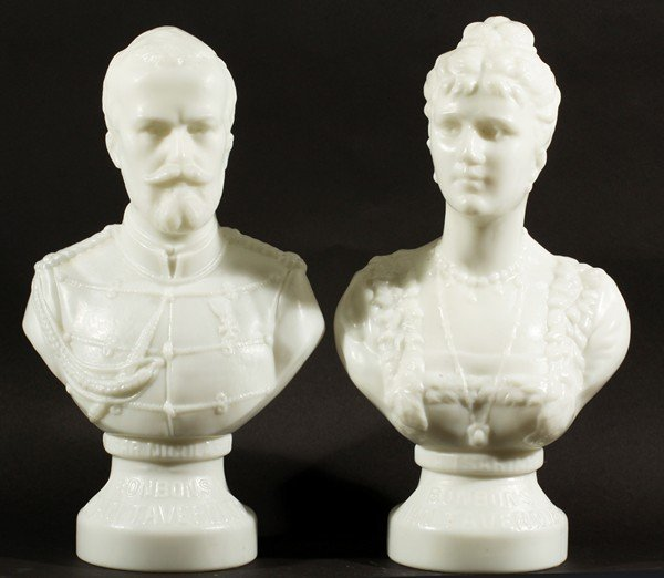 456: MILK GLASS BUSTS OF TSAR NICHOLAS II AND ALEXANDRA