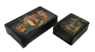 A PAIR OF SOVIET LACQUER KEEPSAKE BOXES WITH SCENES