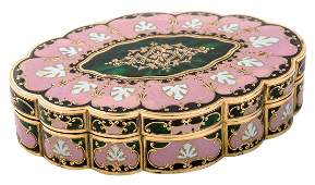 A CONTINENTAL GOLD AND ENAMEL SNUFF BOX 19TH CENTURY