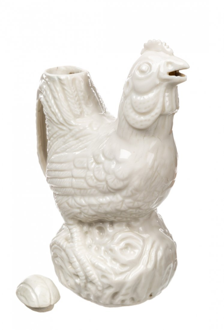 A BLANC-DE-CHINE EWER IN THE FORM OF A CHICKEN - 2